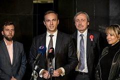 Pražské ANO si na sněmu 11. listopadu zvolilo nové vedení, předsedou se stal Jan Říčař. Zleva místopředseda Miroslav Nauč, Jan Říčař a Martin Stropnický a Adriana Krnáčová.