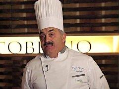 Italský šéfkuchař Sergio Ferrarini.