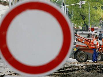TRADIČNÍ PRÁZDNINY. Odkloněné tramvaje, uzavřené silnice - tak bude vypadat letní Praha./Ilustrační foto