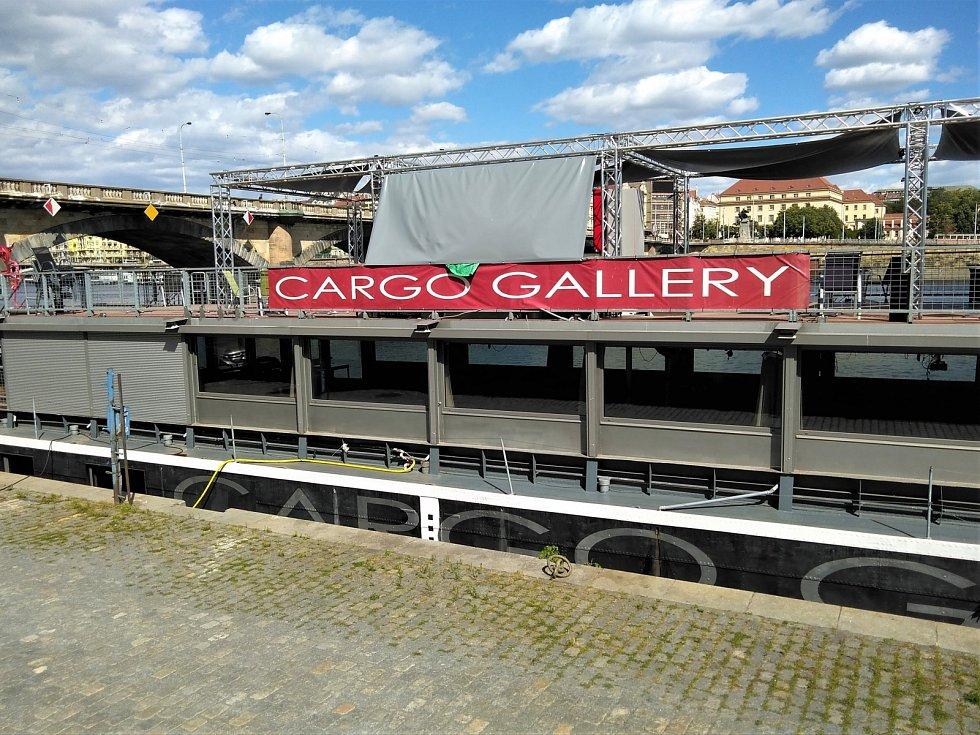 Multifunkční centrum Cargo Gallery na smíchovské náplavce.