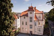 Secesní vila v ulici Na Doubkové prošla rekonstrukcí.