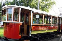 Oslavy 130. výročí první jízdy elektrické tramvaje v Praze.