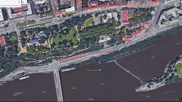 Rekonstruovaný úsek na nábřeží Kapitána Jaroše.