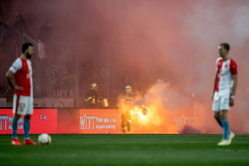 Zápas 28. kola Fortuna ligy mezi Sparta Praha a Slavia Praha, hraný 14. dubna v Praze v Sinobo stadium. fanoušici Sparty
