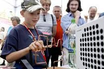 Dvoudenní akce nazvaná Věda v ulicích byla zahájena 22. června 2007 v Praze.
