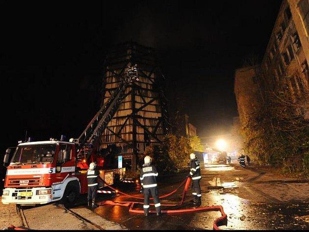 Nepřehlédnutelný požár se obešel beze škod