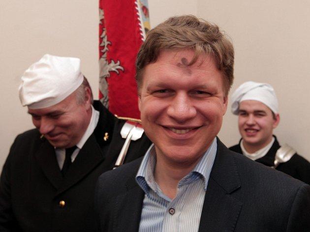 Pražský primátor Tomáš Hudeček se setkal se zástupci Cechu pražských kominíků.