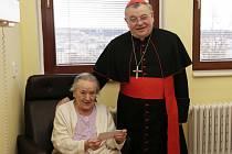 Kardinál Dominik Duka k příležitosti Světového dne nemocných přišel pozdravit pacienty hospitalizované na oddělení následné rehabilitační péče POLIKLINIKY AGEL v Praze 2 na Italské ulici