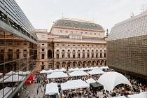 Na náměstí Václava Havla probíhá první letošní Dyzajn market.