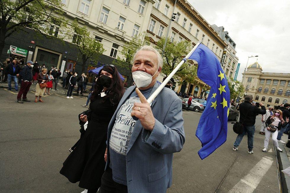 Demonstrace 'Hrad za hranou, republika v ohrožení' na Václavském náměstí v Praze.