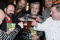 Křest knihy 100 nejlepších malých a středních pivovarů v restauraci Pivovar Národní.