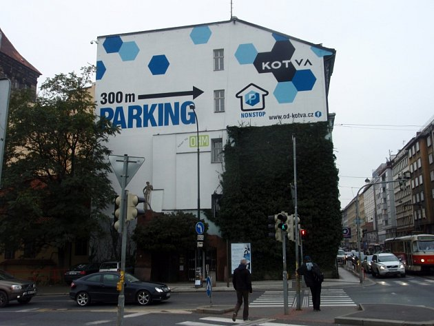Novorenesanční dům na rohu Lannovy a Revoluční ulice v Praze možná ustoupí novému projektu. Otázka ale zůstává, zda bude architektonicky lepší, než jeho současná podoba.