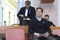 Exprimátor Tomáš Hudeček u Městského soudu v Praze.
