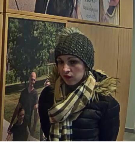 Hledaná žena podezřelá z podvodu.