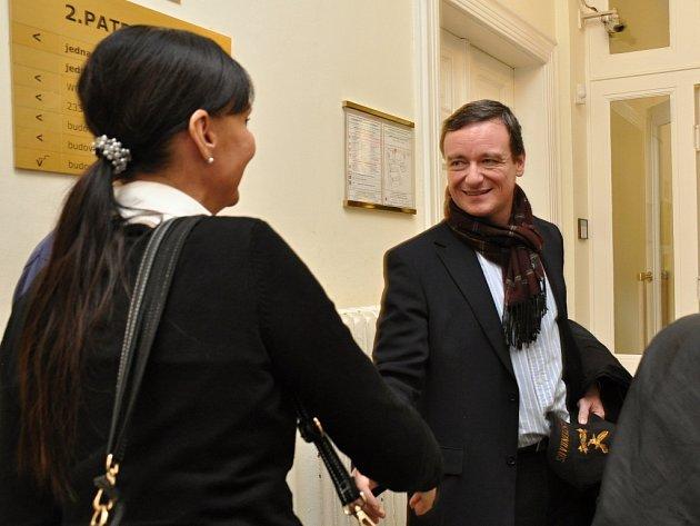 Výslechy svědků pokračoval u Městského soudu v Praze proces se Šárkou Alexa, bývalou výkonnou ředitelkou STIS - Středočeské turistické a informační služby. Pochybit měla při zavávání veřejné zakázky v souvislosti s projektem Osobnosti Středočeského kraje.