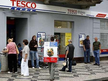 První Tesco expres v České republice se otevřel 21. srpna 2007 v Praze.