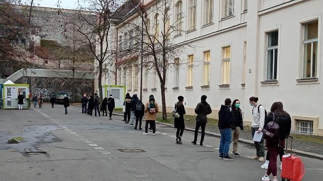 Plošné antigenní testování v Praze. Albertov.