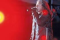 KABÁT PRAZE. Součástí turné kapely byl včerejší megakoncert na stadionu v Edenu.