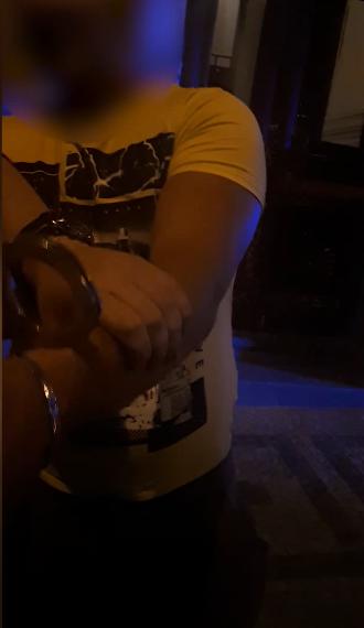 Řidič pod vlivem alkoholu se pokoušel podplatit policisty.