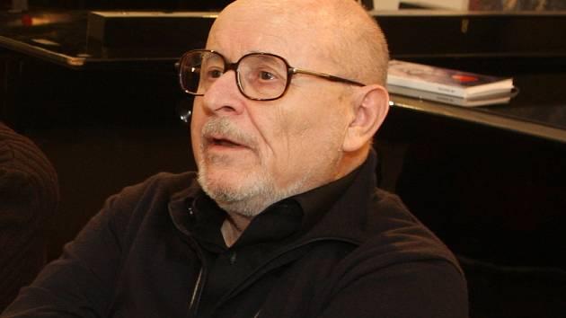 Dirigent Mario Klemens.