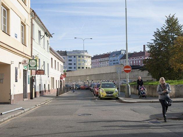 Ulice Na Hrázi, Libeň