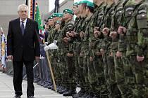 Vedoucí představitelé státu si u Národního památníku na Vítkově připomněli 68. výročí ukončení druhé světové války