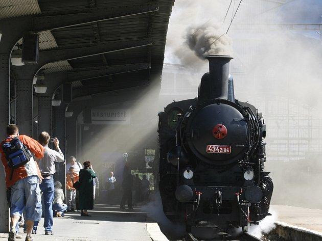 Parní vlak. Ilustrační foto.