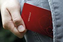 OD STŘEDY I VE VLAKU. Projekt opencard od 1. října přibírá další funkci - nově jde použít i v systému Pražské integrované dopravy.