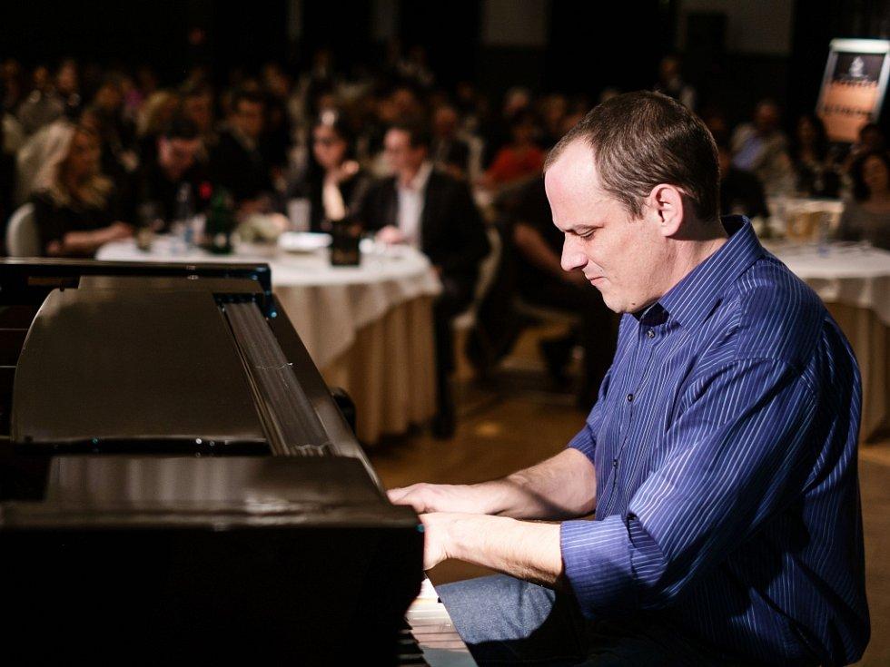 Jan Horák se vrací do soutěže Pianista roku na základě hlasování diváků na internetu.