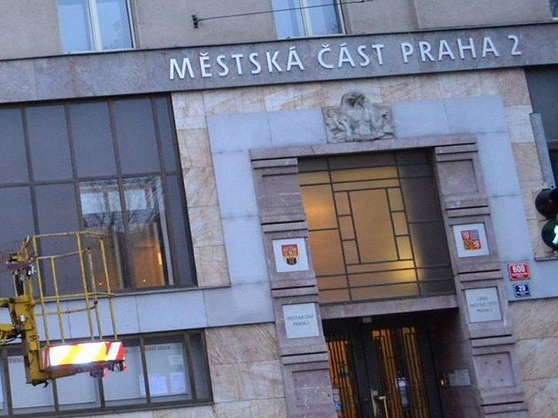 Úřad městské části Praha 2. Ilustrační foto.