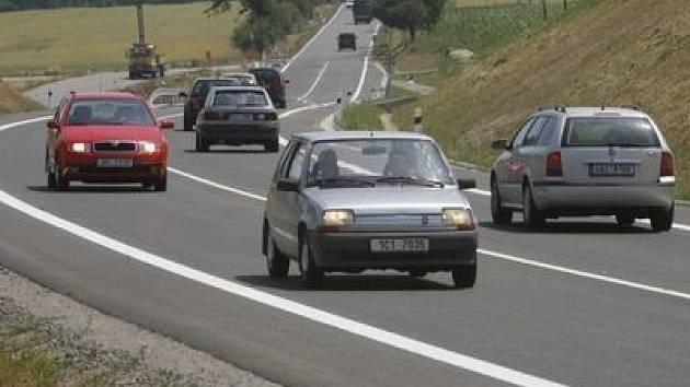První auta by se měla po novém úseku obchvatu projet v roce 2012./Ilustrační foto