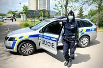 Policistka, která ve svém volnu zadržela onanujícího muže.