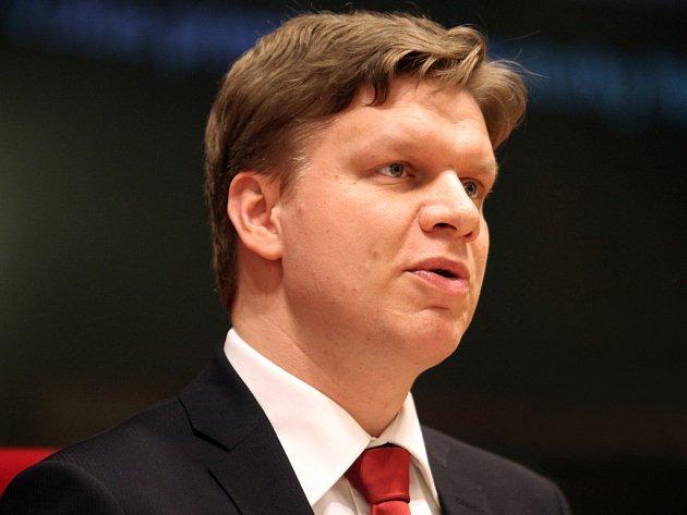 Tomáš Hudeček při ustavujícím zasedání pražského zastupitelstva.