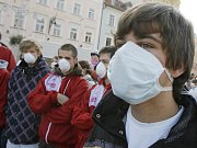 Prasečí chřipka způsobuje paniku po celém světě.