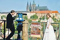 BÝT SI BLÍŽ. Svatební den chce mít každá dvojice co nejhezčí. Patří k tomu i krásné prostředí či zajímavé datum v kalendáři.