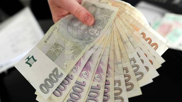 Bankovky, ekonomika. Ilustrační foto.