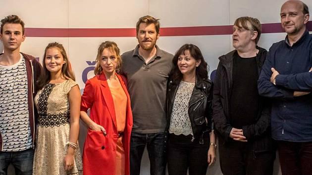 Herci a tvůrci seriálu Já, Mattoni