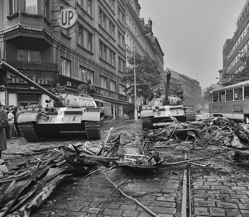 Sovětské tanky v Praze, 21. srpen 1968.