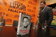 Křest knihy bývalého premiéra předsedy ČSSD Jiřího Paroubka v pražském Luxoru se konal v pondělí 3. října.
