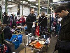 V pražské holešovické Továrně se konala akce Pravý bleší trh.