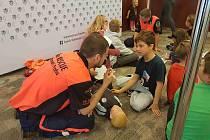 Výuka dětí na půdě českého velvyslanectví v Londýně.