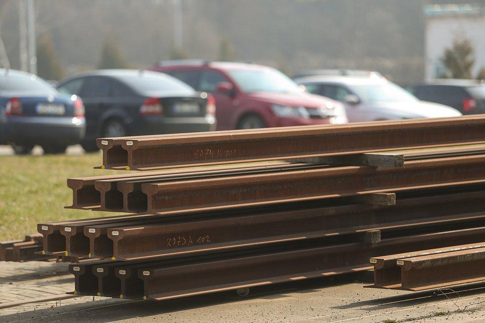 Část zakázky připravena ke kompletaci na venkovní montážní ploše.