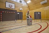 Ve druhém kole senátních voleb volili 17. října například obyvatelé Prahy 1.