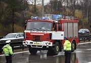 Na Pražském okruhu se srazily kamiony a dodávka.