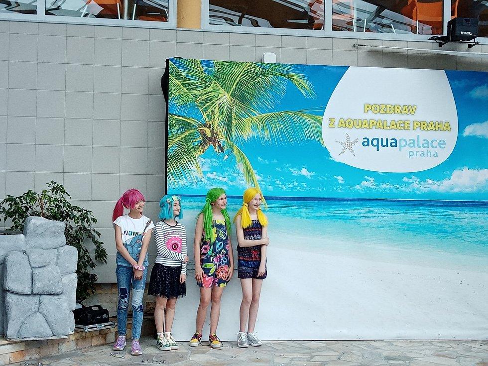 Skupina Lollipopz v Aquapalace Praha se stará o animační programy.