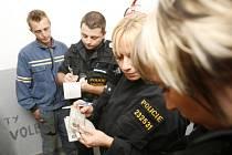 Policejní akce Blesk - zátah na ilegální pracovníky.