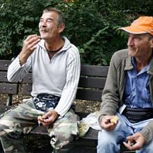 KARLOVO NÁMĚSTÍ: V pondělí bylo o poznání chladněji a tak alkohol pro změnu zahříval.