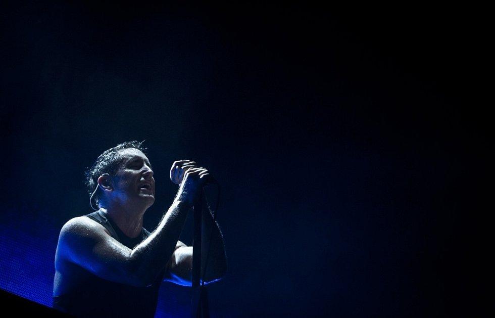 Známá americká kapela Nine Inch Nails svým koncertem 'pokřtila' nový multifunkční sál v pražském Karlíně.