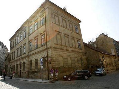 Pohled na historický areál v pražském Josefově.
