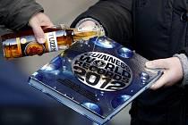 Na pražském Staroměstském náměstí se v úterý 6. prosince 2011 uskutečnilo odpoledne s agenturou Dobrý den z Pelhřimova, která se stará o rekordy v Čechách. Pokřtěna byla nová Guinnessova kniha rekordů.